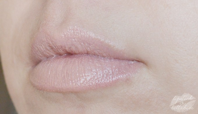 MAC Wash & Dry Creme D'Nude