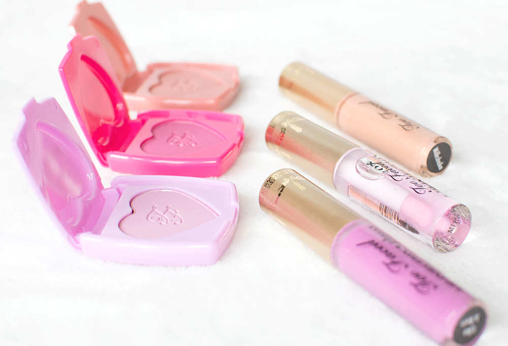 too faced naughty kisses & sweet cheeks